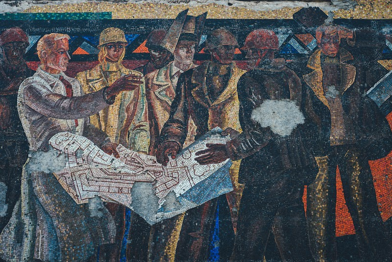 workers depicted in soviet mosaic